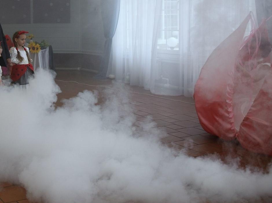 формат, можно ли использовать фото дым в помещении когда мужчина
